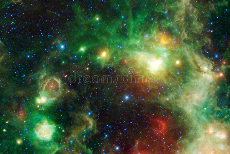 Mooie melkweg ergens in kosmische ruimte Elementen van dit die beeld door NASA wordt geleverd royalty-vrije illustratie
