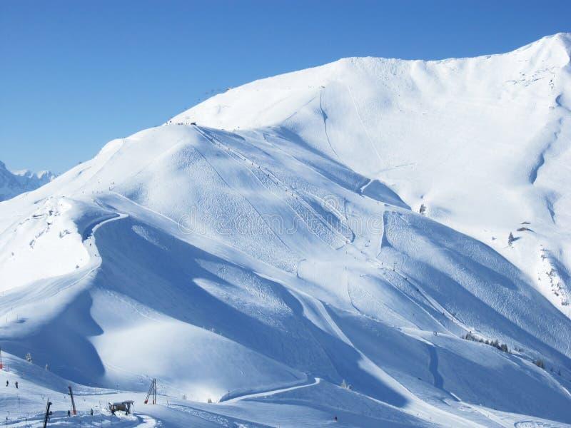 Mooie mening aan de toevlucht van de Ski in Adelboden, Berner Oberland stock afbeeldingen