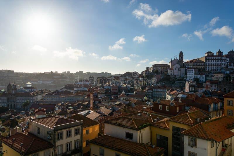 Mooie mening aan een deel van de stad van Porto stock foto's