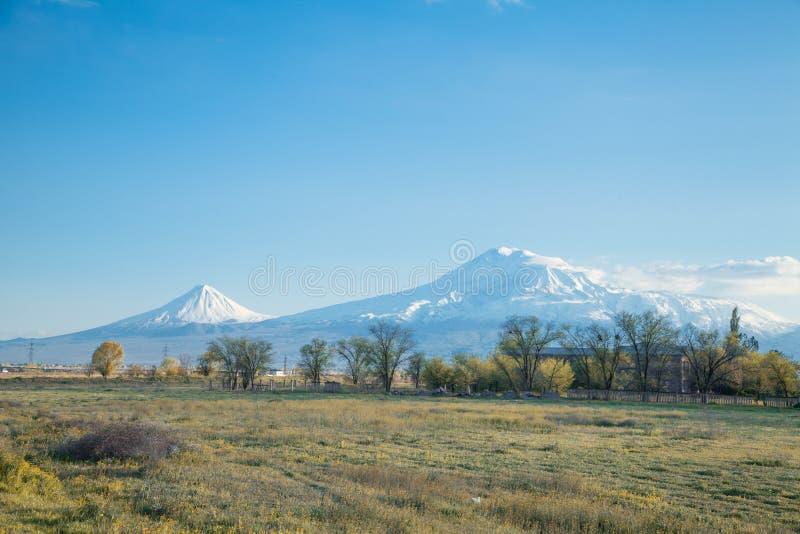 Mooie Mening Araratbergen van Armenië royalty-vrije stock afbeelding
