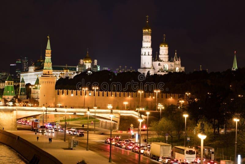Mooie Mening bij Avond Moskou het Kremlin stock afbeelding