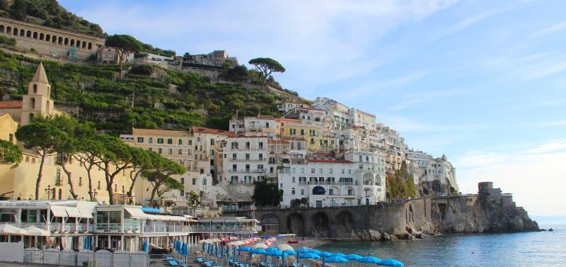 Mooie mening van Amalfi, Italië stock afbeeldingen