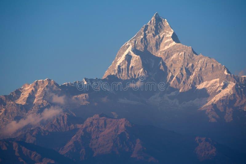 Mooie mening van bergen Himalayan met sneeuw stock fotografie