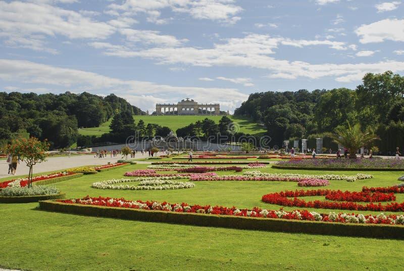 Mooie mening van beroemde die Schloss-Belvedere, door Johann Lukas von Hildebrandt als de zomerwoonplaats wordt gebouwd voor Prin stock foto