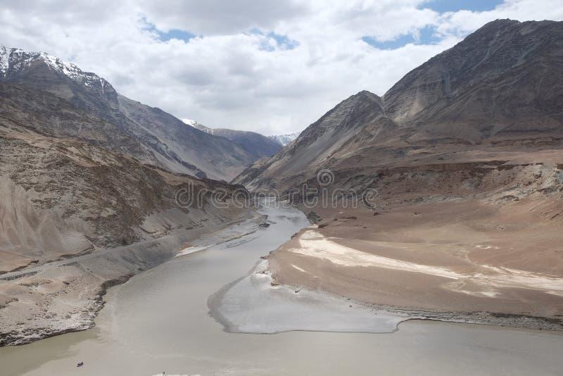 Mooie mening van bruine laag` s Berg in leh-Ladakh, Jammu en Kashmir, India stock foto