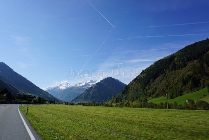 Mooie mening van de alpen van Oostenrijk royalty-vrije stock fotografie
