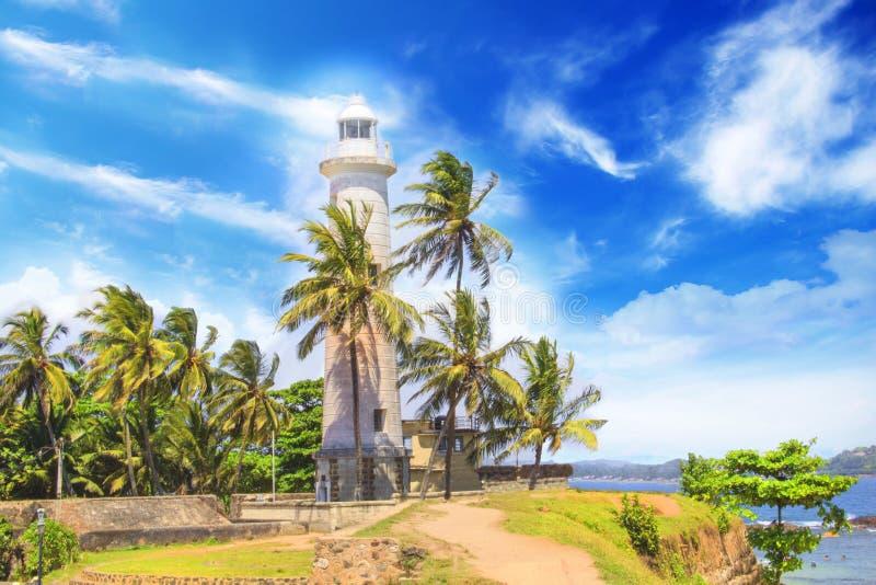 Mooie mening van de beroemde vuurtoren in Fort Galle, Sri Lanka, op een zonnige dag stock afbeelding