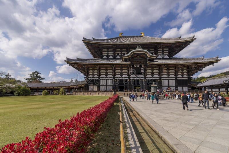 Mooie mening van de buitenkant van de belangrijkste zaal van de Tempel Todai -todai-ji van Nara, Japan royalty-vrije stock afbeeldingen