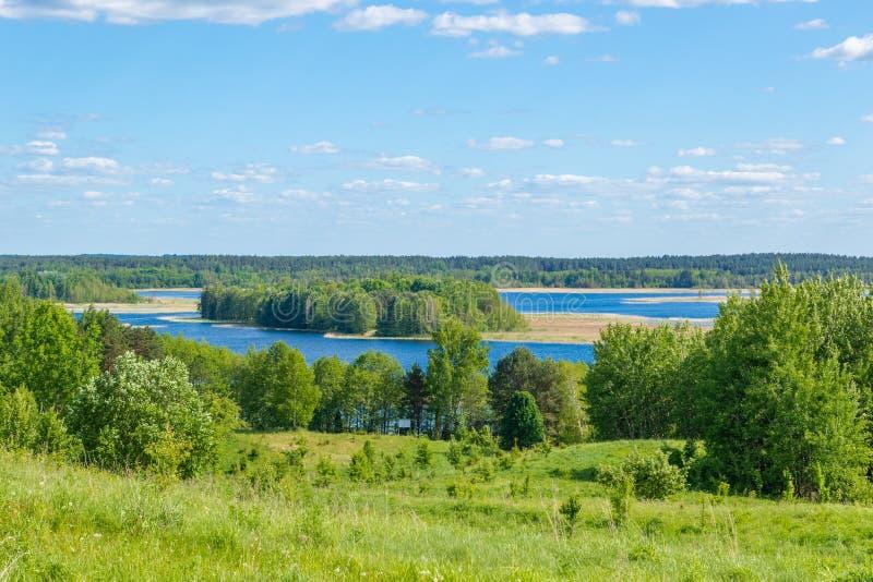 Mooie mening van de heuvels en de meren royalty-vrije stock foto's