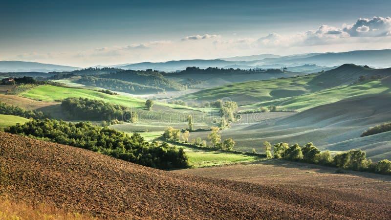Mooie mening van het de herfstlandschap in Toscanië royalty-vrije stock fotografie