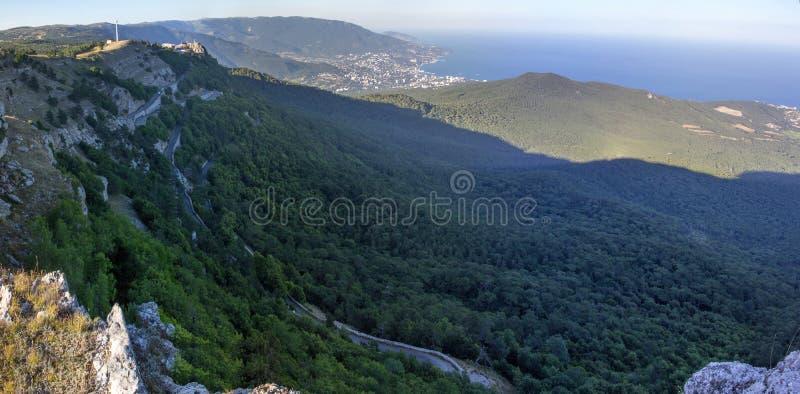 Mooie mening van het overzees van het schiereiland van Onderstel ai-Petri van de Krim stock afbeelding