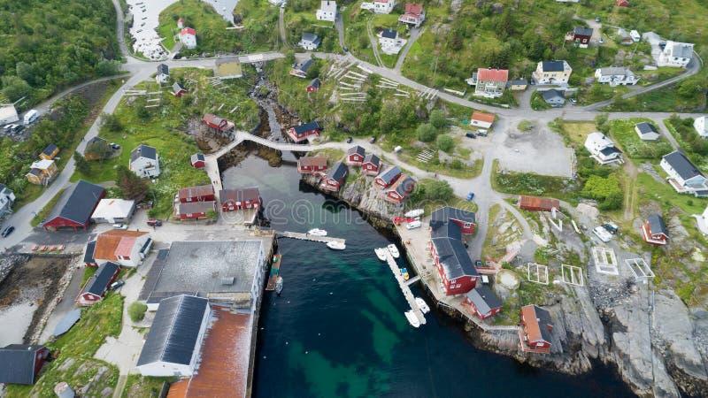 Mooie mening van klein dorp Moskenes in Noorwegen Lofoten royalty-vrije stock foto