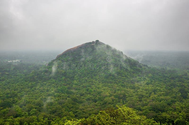 Mooie mening van Sigiriya Lion Rock, Sri Lanka royalty-vrije stock fotografie