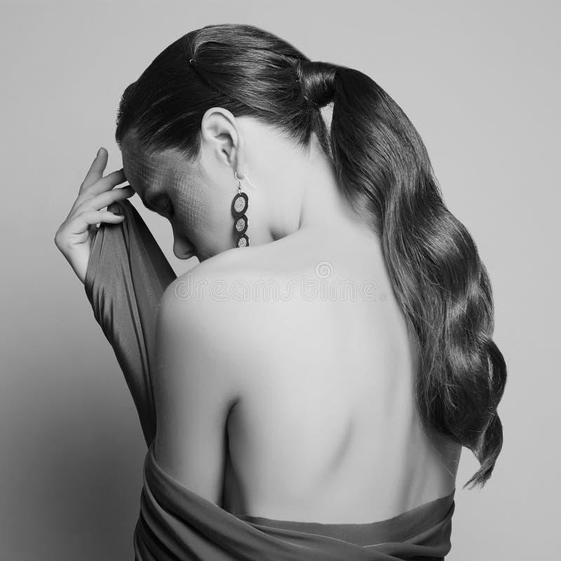 Mooie naakte vrouwen achter Zwart-wit portret royalty-vrije stock foto