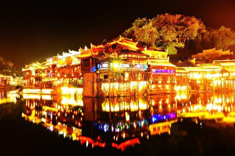 Mooie nachtscène van fenghuang oude stad royalty-vrije stock foto