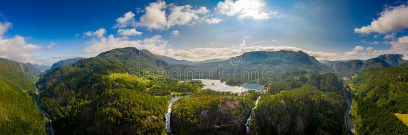 Mooie natuur Noorwegen Latefossen Waterfall Odda Noorwegen royalty-vrije stock afbeeldingen