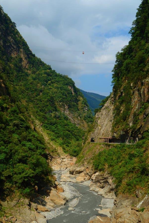 Mooie natuurlijke canion en turkooise stroom wandelingssleep in het Nationale Park van Taroko, Hualien, Taiwan royalty-vrije stock afbeeldingen