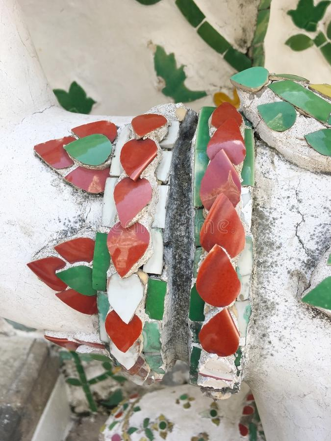 Mooie oude ceramisch bij Arun-tempel, Bangkok, Thailand stock afbeelding