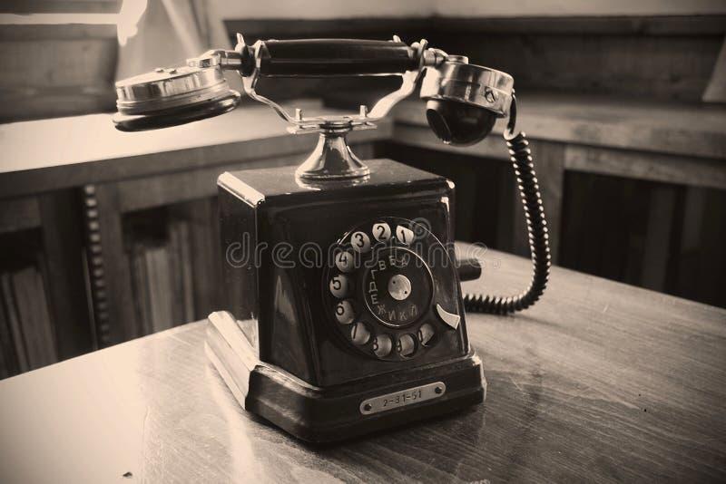Mooie oude die telefoon in een museum wordt gevestigd Waarschijnlijk werd het gebruikt door een revolutionaire Bulgaar royalty-vrije stock foto