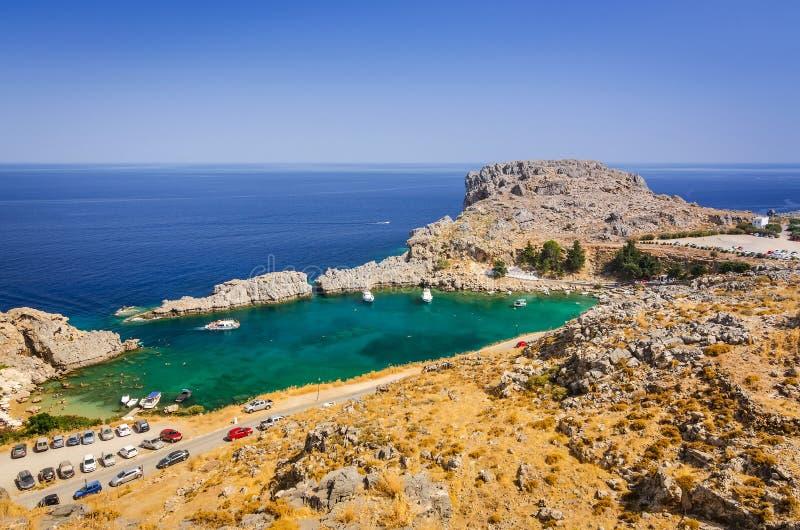 Mooie overzeese baai in Lindos, Rhodos stock fotografie