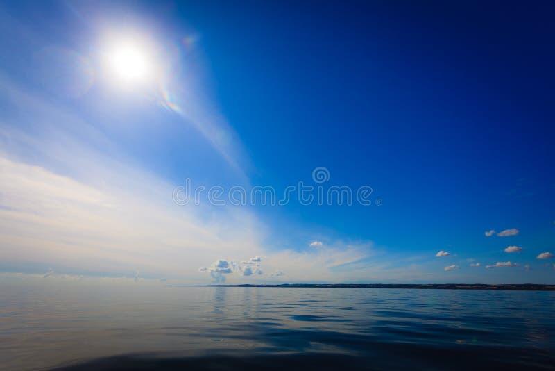 Mooie overzeese van de zeegezichtavond horizon en hemel royalty-vrije stock fotografie