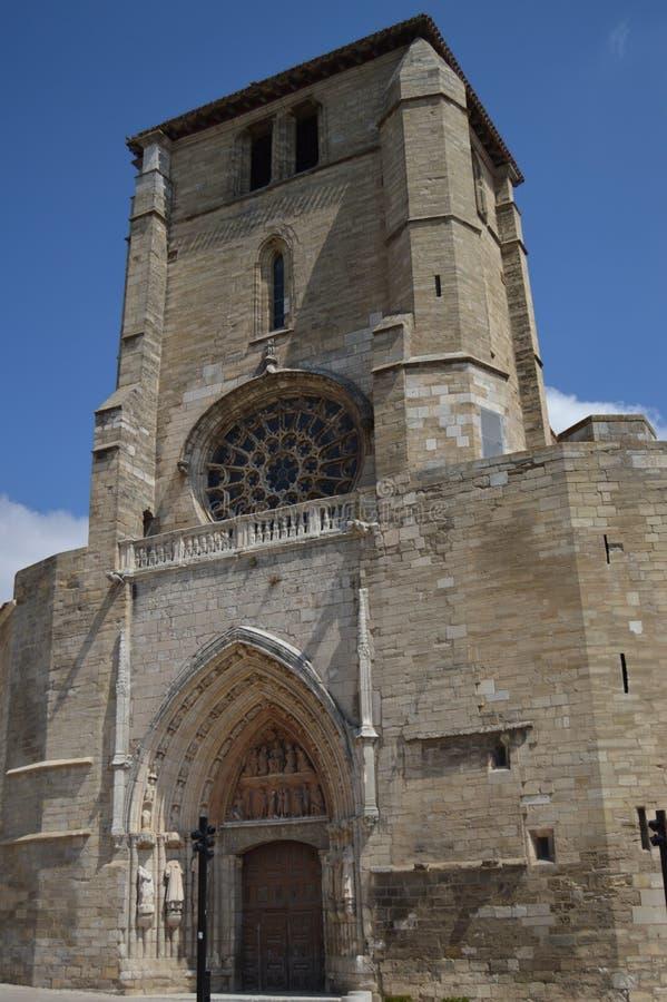 Mooie Parochie van San Esteban van Gotische Stijl die in de 13de Eeuw in Burgos wordt gedateerd 28 augustus, 2013 Burgos, Castill royalty-vrije stock foto's
