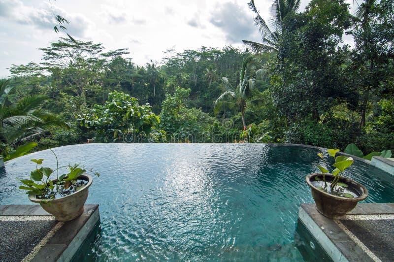 Mooie pool openlucht royalty-vrije stock foto's