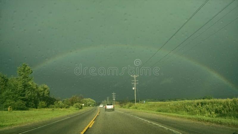 Mooie regenboog over Michigan stock afbeelding