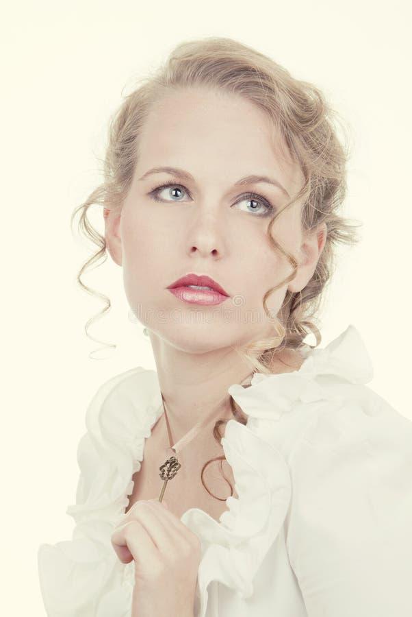 Mooie romantische blondevrouw stock foto's