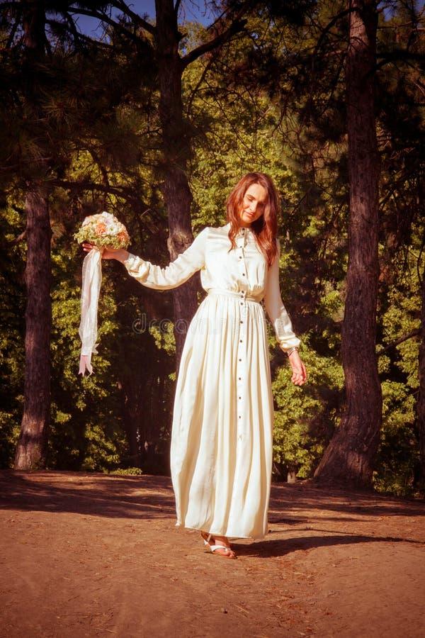 Mooie romantische bruid royalty-vrije stock afbeelding