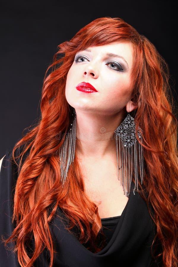 Mooie roodharige - Jonge mooie rode haired vrouw royalty-vrije stock foto