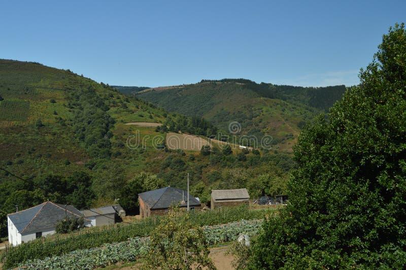 Mooie Satellietbeelden van het Villardoi-Dorp in het Platteland van Galicië Aard, Landschappen, Plantkunde, Reis 2 augustus, 2015 royalty-vrije stock afbeeldingen