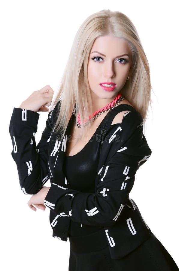 Mooie sensuele vrouw in een zwarte kleding royalty-vrije stock fotografie
