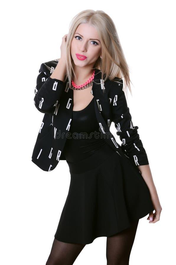 Mooie sensuele vrouw in zwarte kleding royalty-vrije stock afbeelding