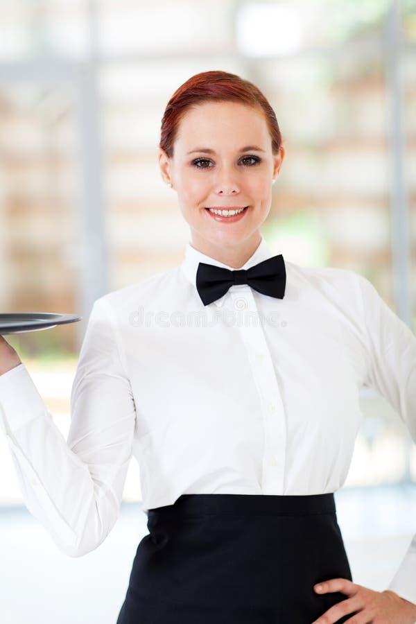 Mooie serveerster royalty-vrije stock afbeelding