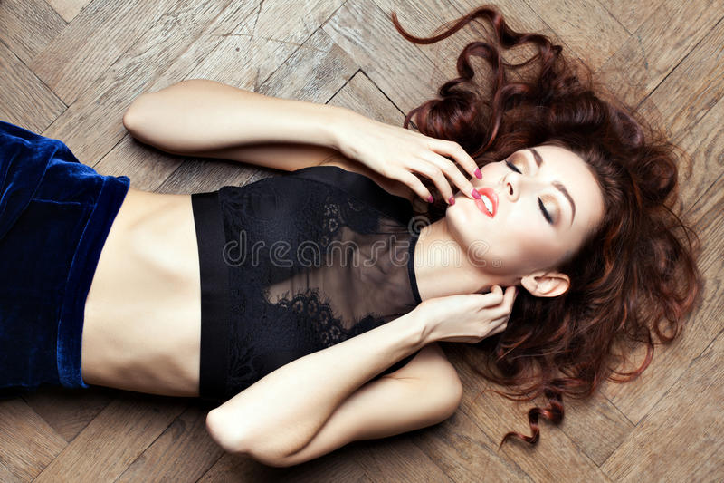 Mooie sexy vrouw met perfect huidgezicht royalty-vrije stock afbeelding