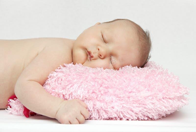 Mooie slaapbaby stock foto's