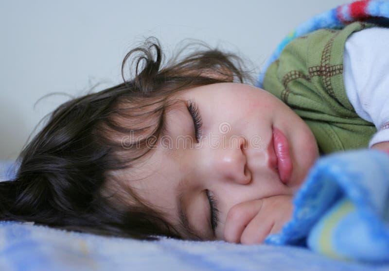 Mooie slaapjongen royalty-vrije stock afbeelding