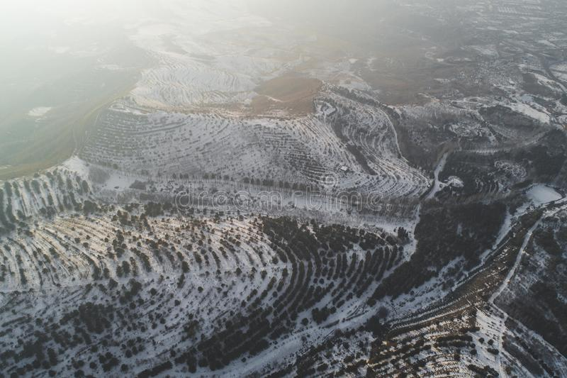 Mooie sneeuwheuvels stock foto's