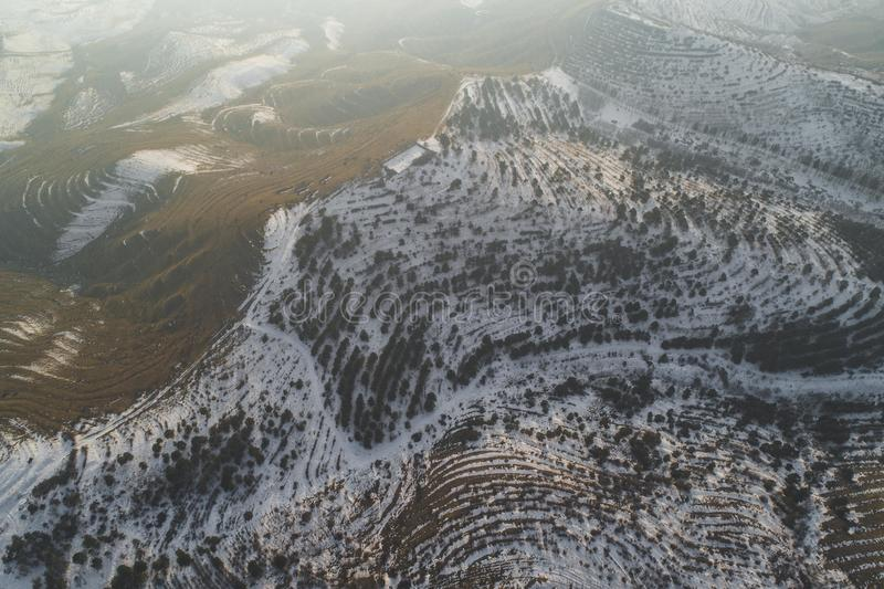 Mooie sneeuwheuvels royalty-vrije stock fotografie