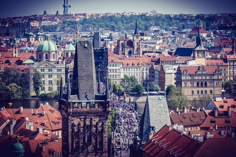 Mooie Stad Praag in het midden van Europa stock foto