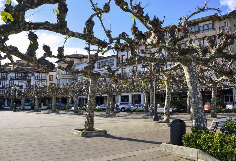 Mooie straat van een kleine Europese stad van San Vicente DE La B royalty-vrije stock afbeeldingen