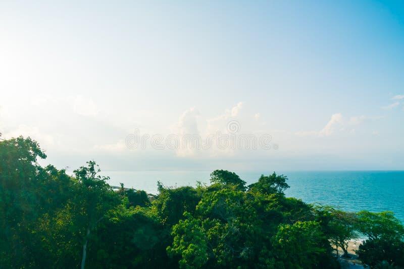 Mooie strand en overzees royalty-vrije stock afbeelding