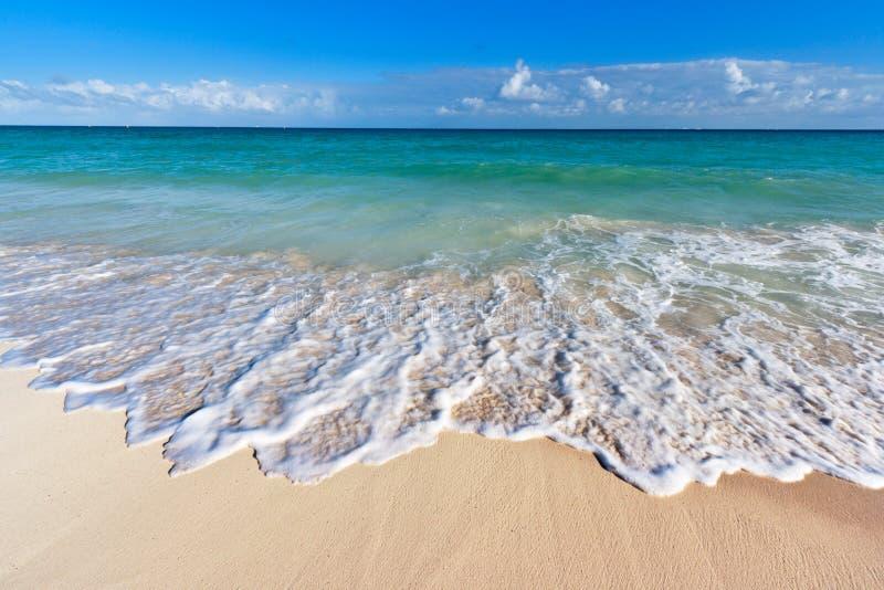Mooie strand en overzees stock afbeeldingen