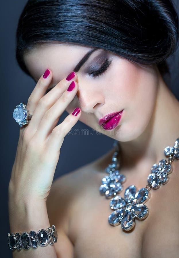 Mooie verfijnde vrouw royalty-vrije stock afbeelding