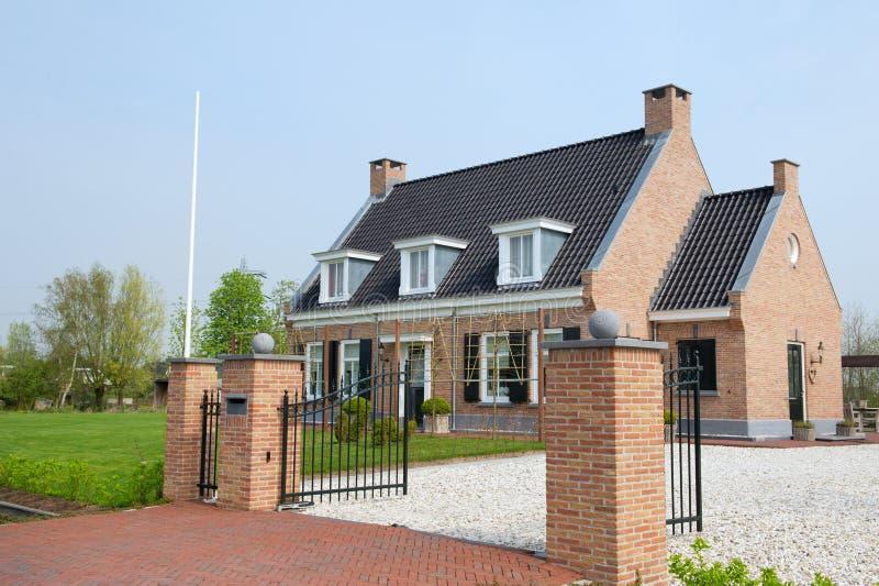 Mooie villa stock afbeeldingen