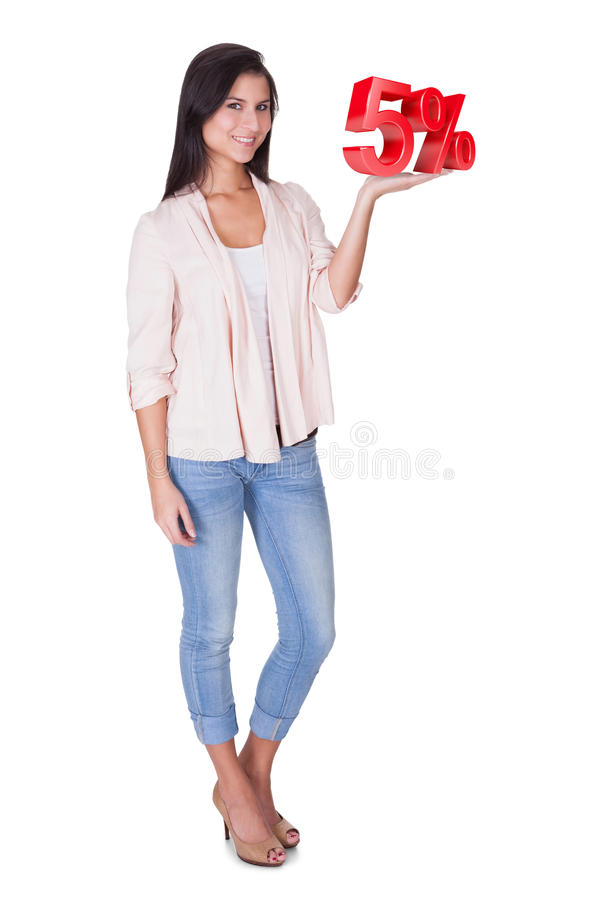 Mooie vrouw die 5% verkoopteken houden stock illustratie