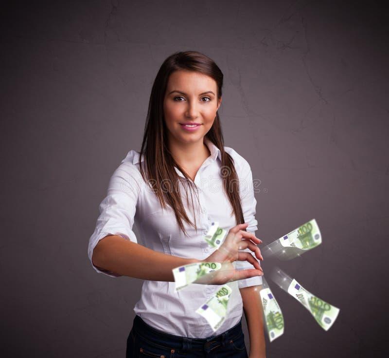 Download Mooie Vrouw Die En Geld Bevinden Zich Werpen Stock Foto - Afbeelding bestaande uit stroom, flying: 39100582