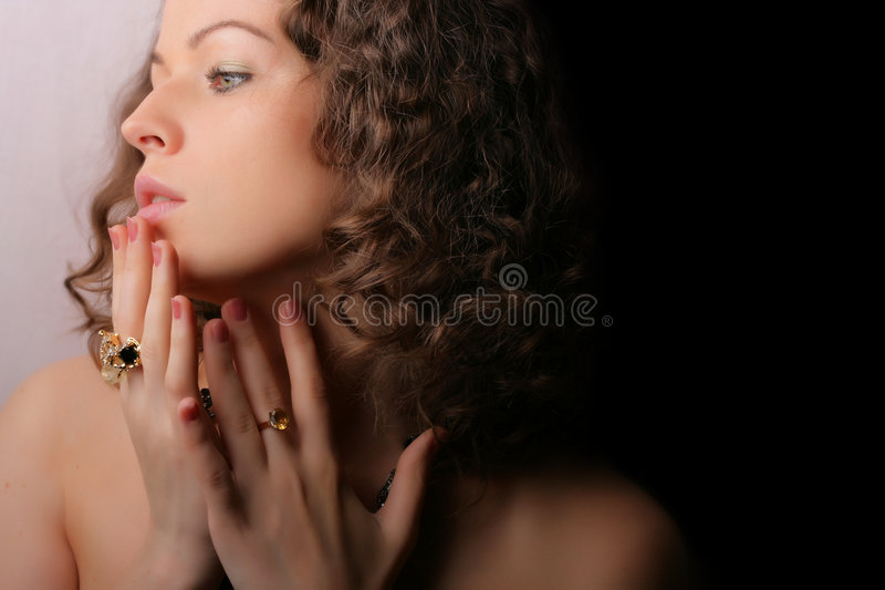 Mooie vrouw. Juwelen en Schoonheid royalty-vrije stock fotografie