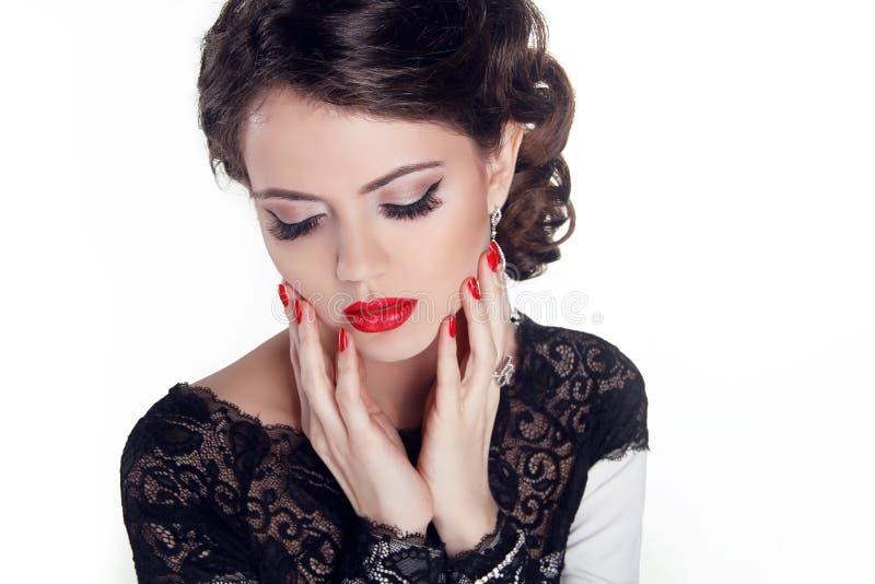 Mooie vrouw met avondsamenstelling. Juwelen en Schoonheid. Fashio stock afbeelding